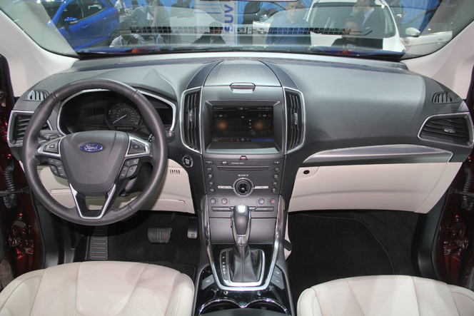 Ford Edge : l'américain - Vidéo en direct du Salon de Paris 2014