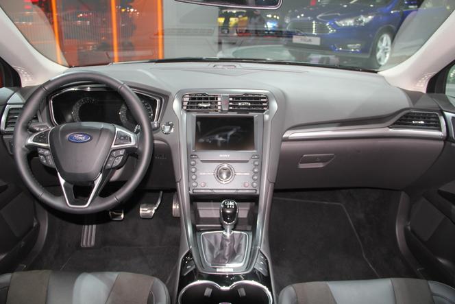 Ford Mondeo 4 : mieux vaut tard... - Vidéo en direct du salon de Paris 2014