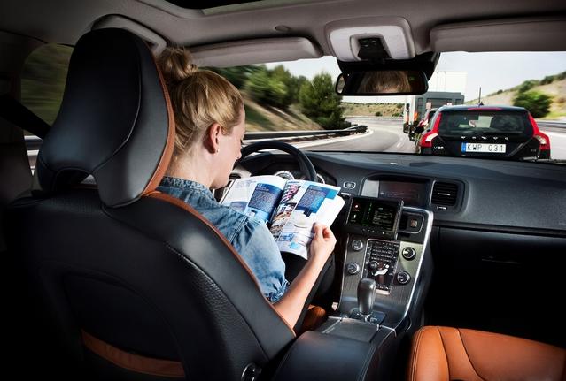Plus de voitures autonomes, c'est moins d'accident et donc moins de rentrées d'argent pour les assureurs (via les primes).