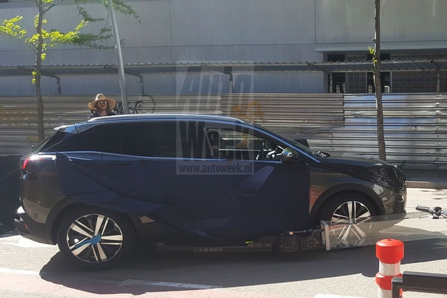 Surprise : le nouveau Peugeot 3008 commence à se montrer