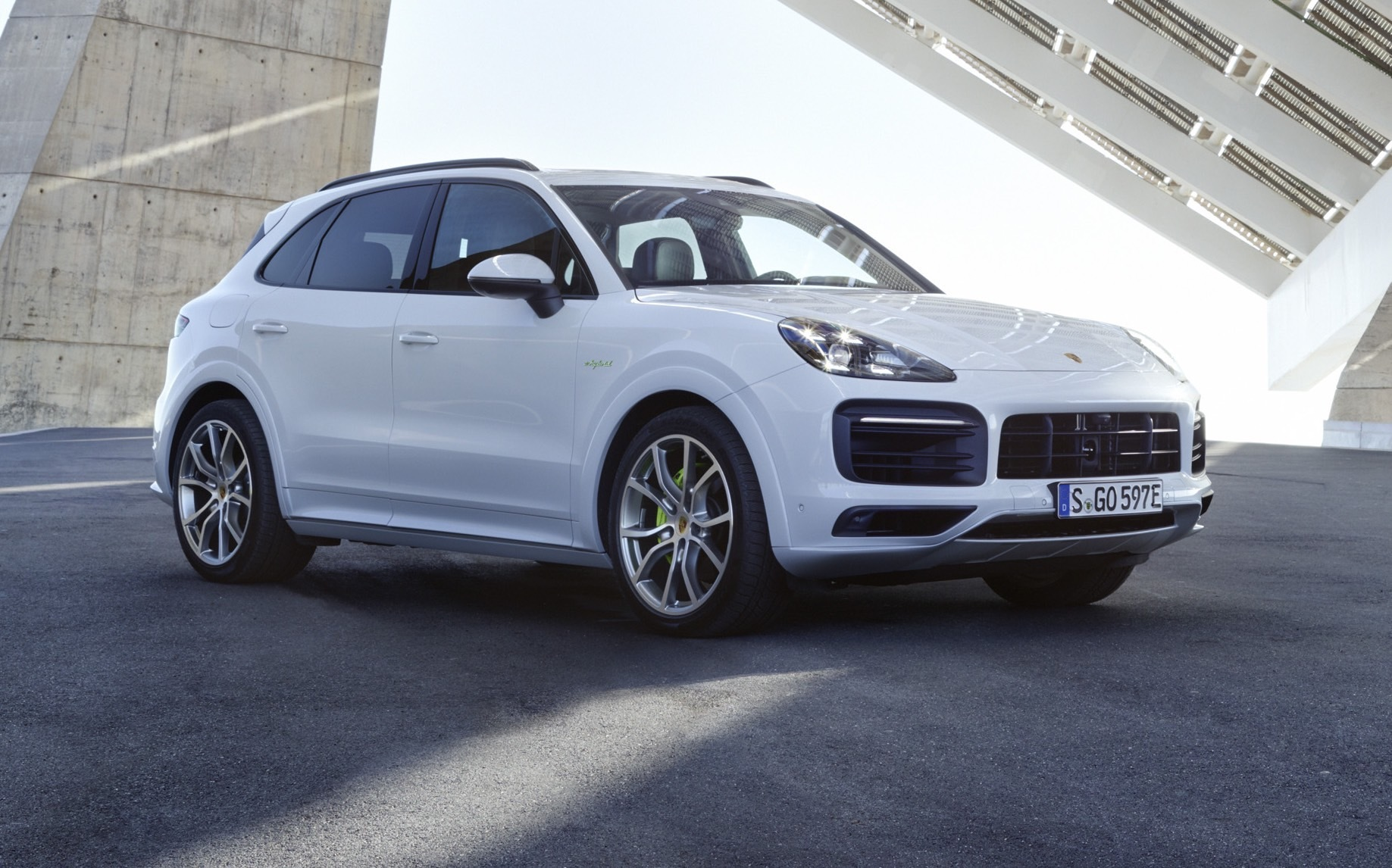 Porsche Cayenne E-Hybrid : la version rechargeable est disponible