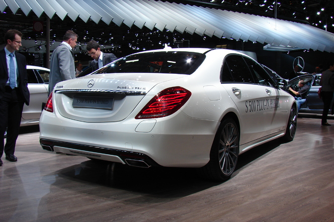 Mercedes S 500 Plug-in Hybrid: encore câblée - En direct du Salon de Paris 2014