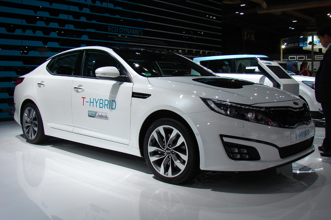 "Kia Optima T-Hybrid Concept: ""plombée"" - En direct du Salon de Paris 2014"