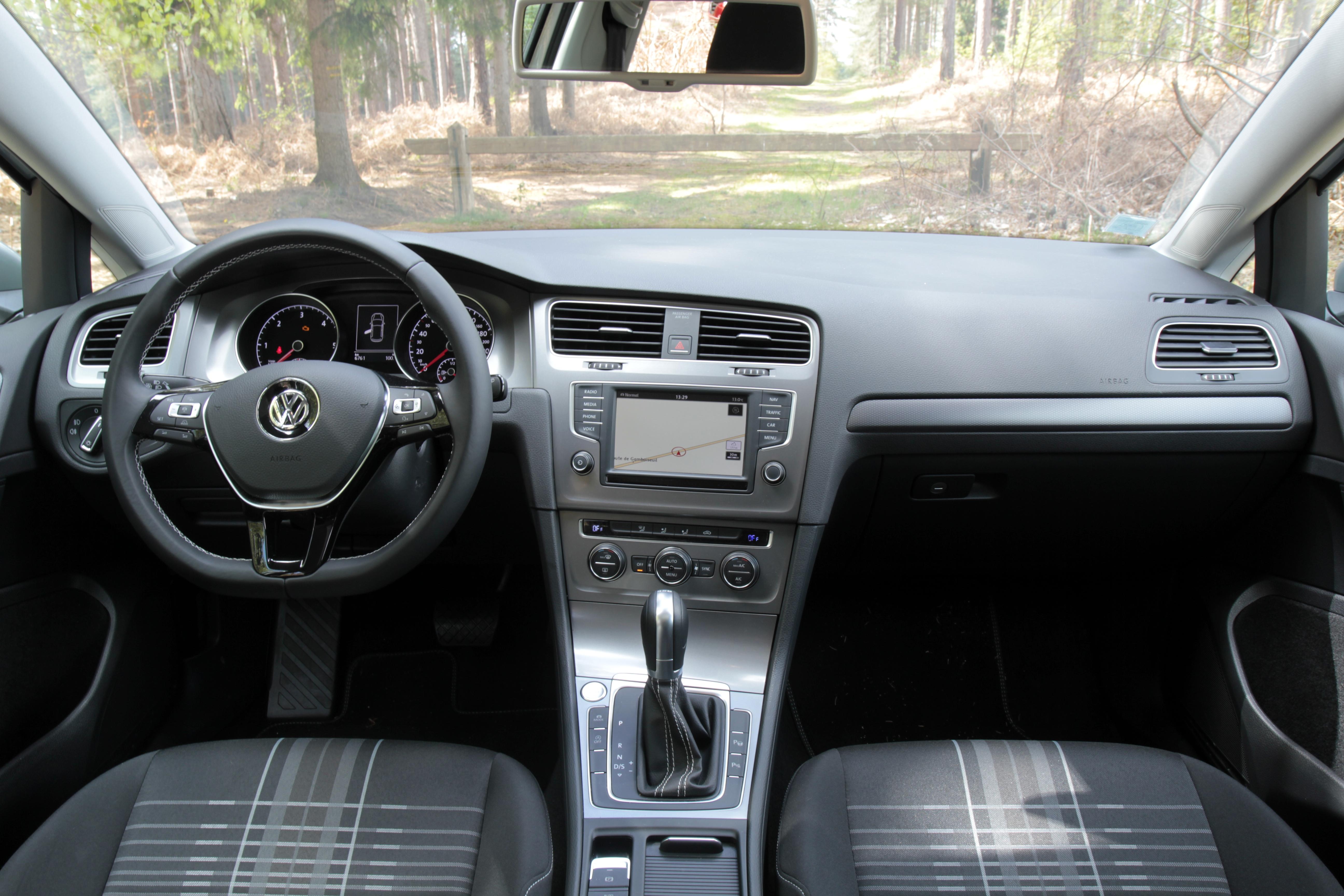 Comparativa: Opel Astra VS Renault Megane VS Volkswagen Golf  S0-comparatif-video-renault-megane-vs-opel-astra-vs-volkswagen-golf-la-deuxieme-tentative-sera-t-elle-la-bonne-378228