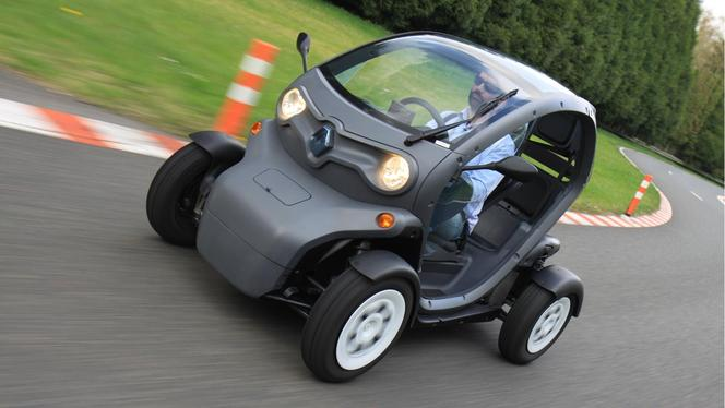 renault twizy en vid o caradisiac a essay le prototype. Black Bedroom Furniture Sets. Home Design Ideas