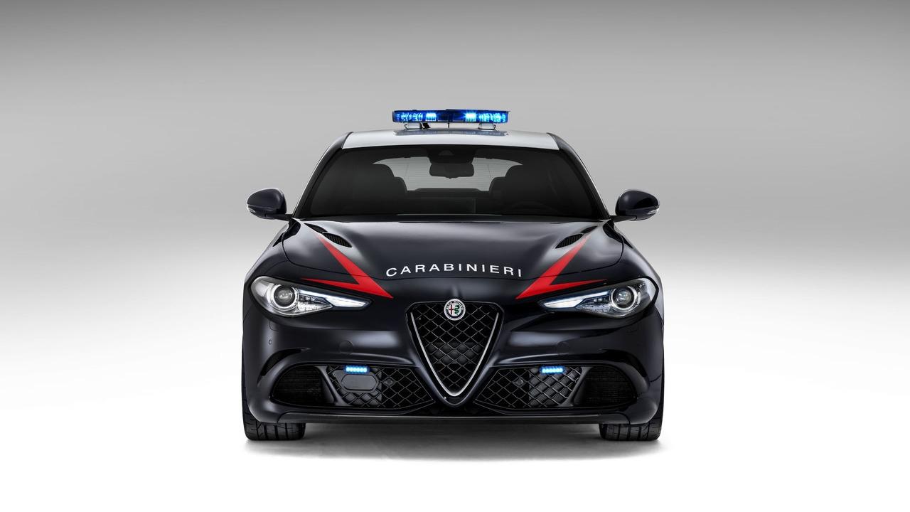 Alfa Romeo : la police italienne prend possession d'une ...