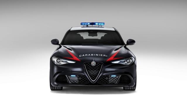 Alfa Romeo : la police italienne prend possession d'une Giulia Quadrifoglio Verde