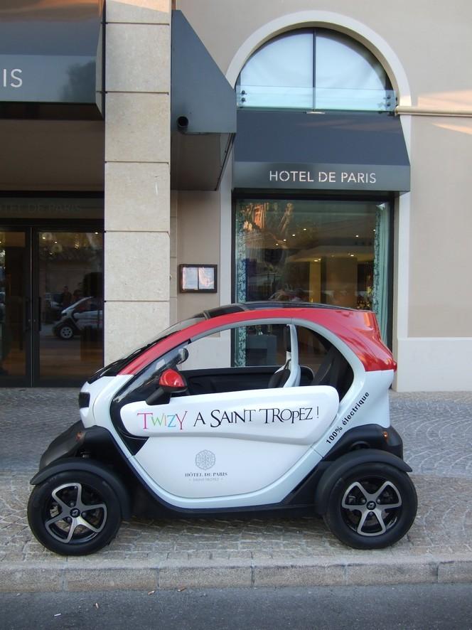 La Renault Twizy envahit Saint-Tropez