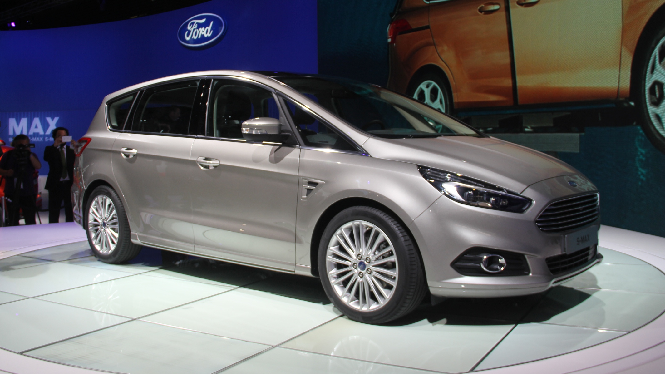 ford s max moins sportif vid o en direct du salon de. Black Bedroom Furniture Sets. Home Design Ideas