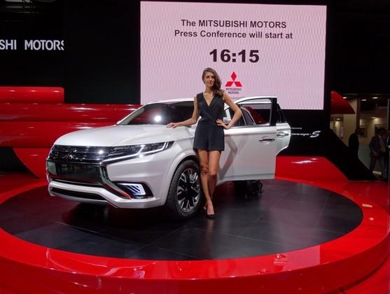 Mitsubishi Outlander PHEV Concept S: Et ça, j'achète ! - En direct du Salon de Paris 2014