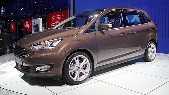 Ford Grand C-Max : suiveur - Vidéo en direct du Salon de Paris 2014