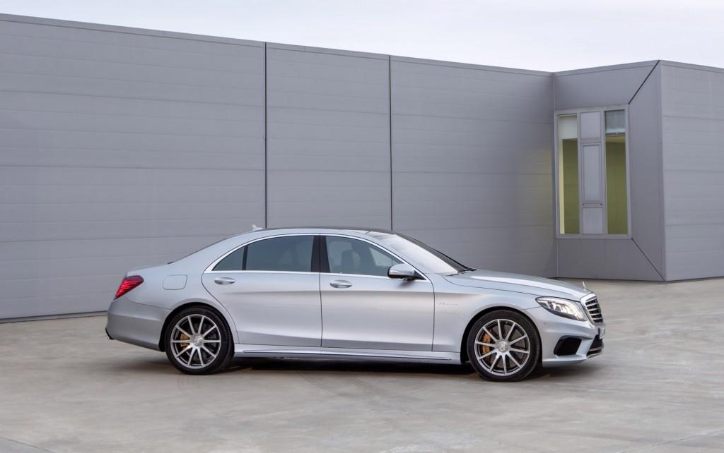 http://images.caradisiac.com/images/8/0/7/1/88071/S0-Voici-la-nouvelle-Mercedes-S63-AMG-298132.jpg