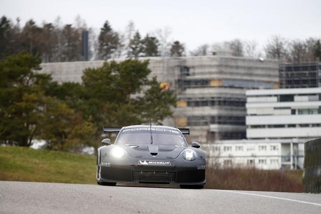 Nouvelle Porsche 911 RSR : à moteur central arrière ?
