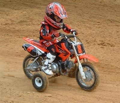 Vidéo moto : Carlon Graziano, 4 ans et champion MX