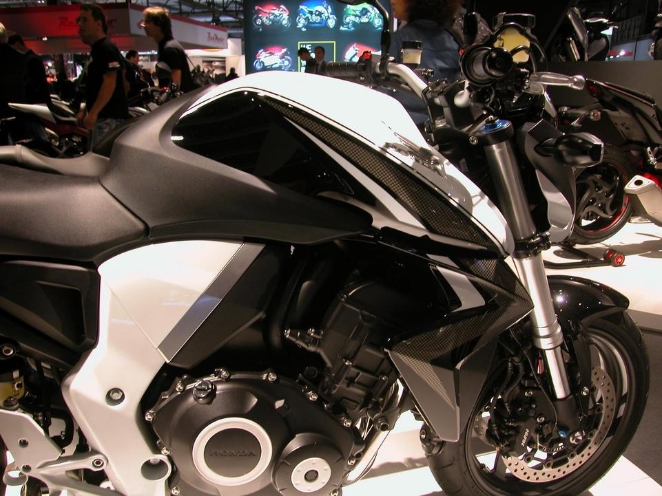 En direct de l'EICMA : Honda CB 1000 R