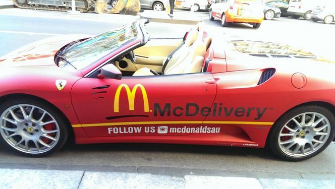 Mcdonald's livre... en Ferrari F430