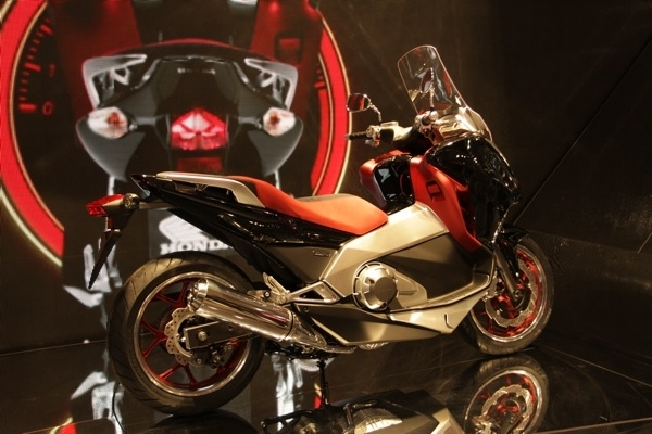 Salon de Milan 2010 En Direct : Honda New Mid Concept