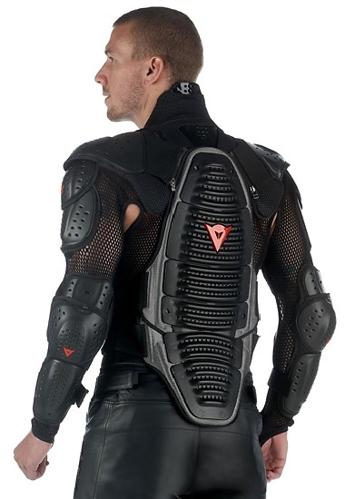 Wave V neck de Dainese : protection absolue ?