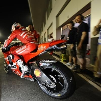 Moto GP - Qatar D.3: Stoner et Rossi dans un mouchoir