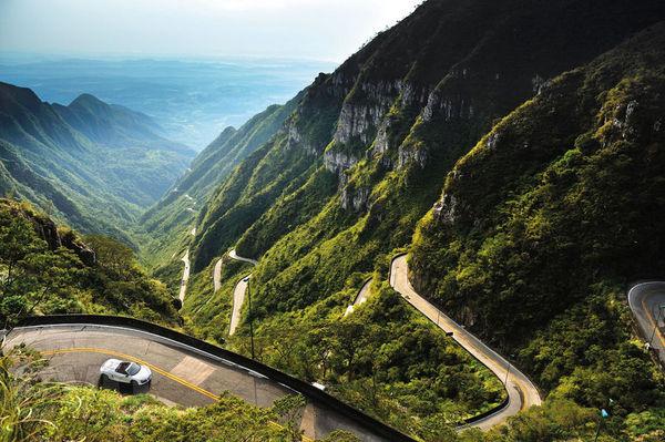 La plus belle route du monde ? Encore du EVO