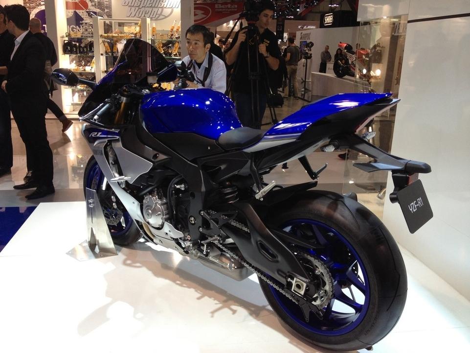 En direct de l'EICMA – Yamaha: la nouvelle R1 est une machine de guerre