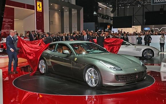 Le stand Ferrari à Genève: le paradis des équipementiers