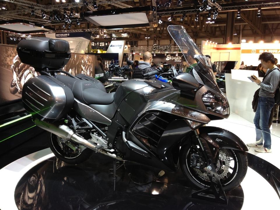 En direct de l'EICMA – Kawasaki: la 1400 GTR évolue tout en douceur