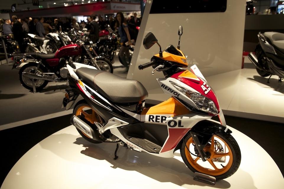 En direct de l'EICMA : nouveaux coloris pour le Honda NSC50R