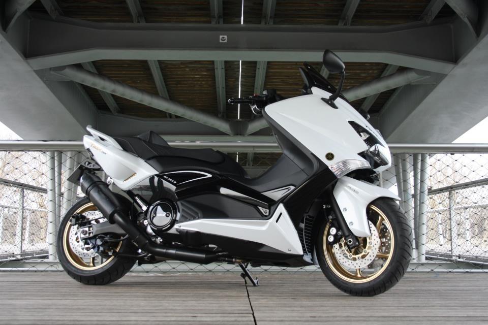 Yamaha TMax: Pinkmax, Blackmax et Whitemax 530 ABS