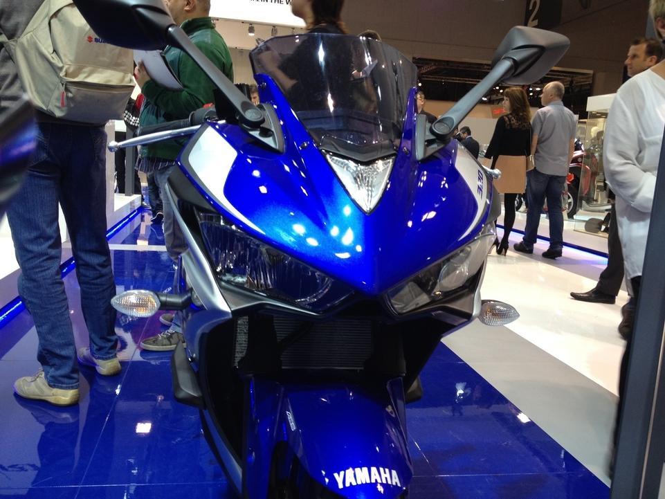 En direct de l'EICMA - Yamaha YZF-R3: petite R6