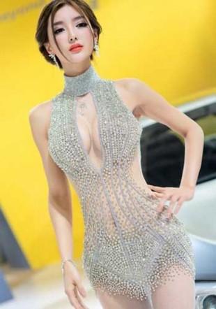 Les autorités chinoises réprimandent le Salon de Pékin pour ses hôtesses trop sexy