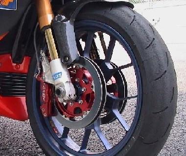 4 D AEROTECH® : 4 disques sur ma moto