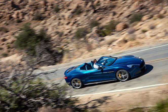 Toutes les nouveautés du salon de Francfort 2013 – Aston Martin Vanquish Volante : décoiffante