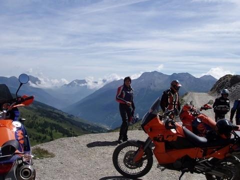 """Stage de pilotage KTM: Gilles Salvador """"himself"""" nous présente les Adventure Tours..."""