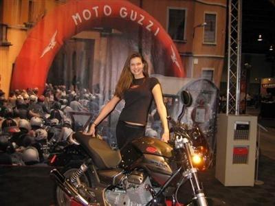 Moto Guzzi & Sexy : quatres petites images ...