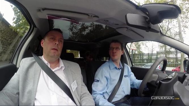 Essayer une voiture sur le Mondial : comment ça se passe ? - Vidéo en direct du Salon de Paris 2014