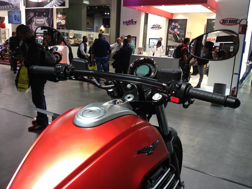 En direct de l'EICMA : Moto Guzzi Audace