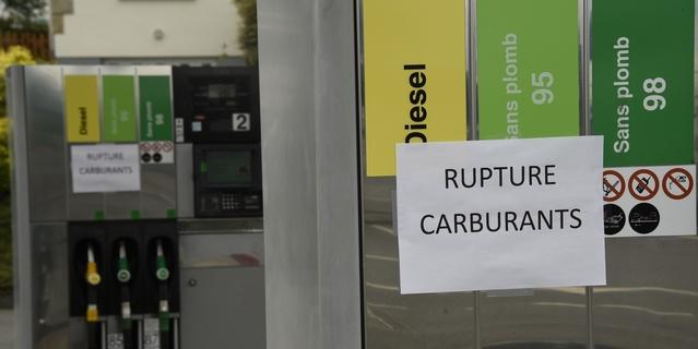 Pénurie de carburant: toutes les raffineries en grève (mise à jour du 27 mai 17h00)