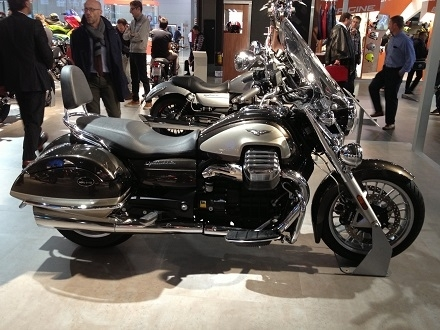En direct de l'EICMA - Moto Guzzi: la California 1400 Touring S.E joue la carte Gold