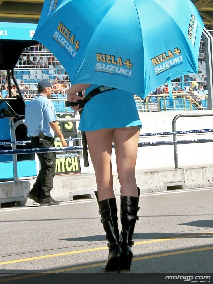 Moto GP 2010 : Une saison de filles du paddock [+ de 150 photos]