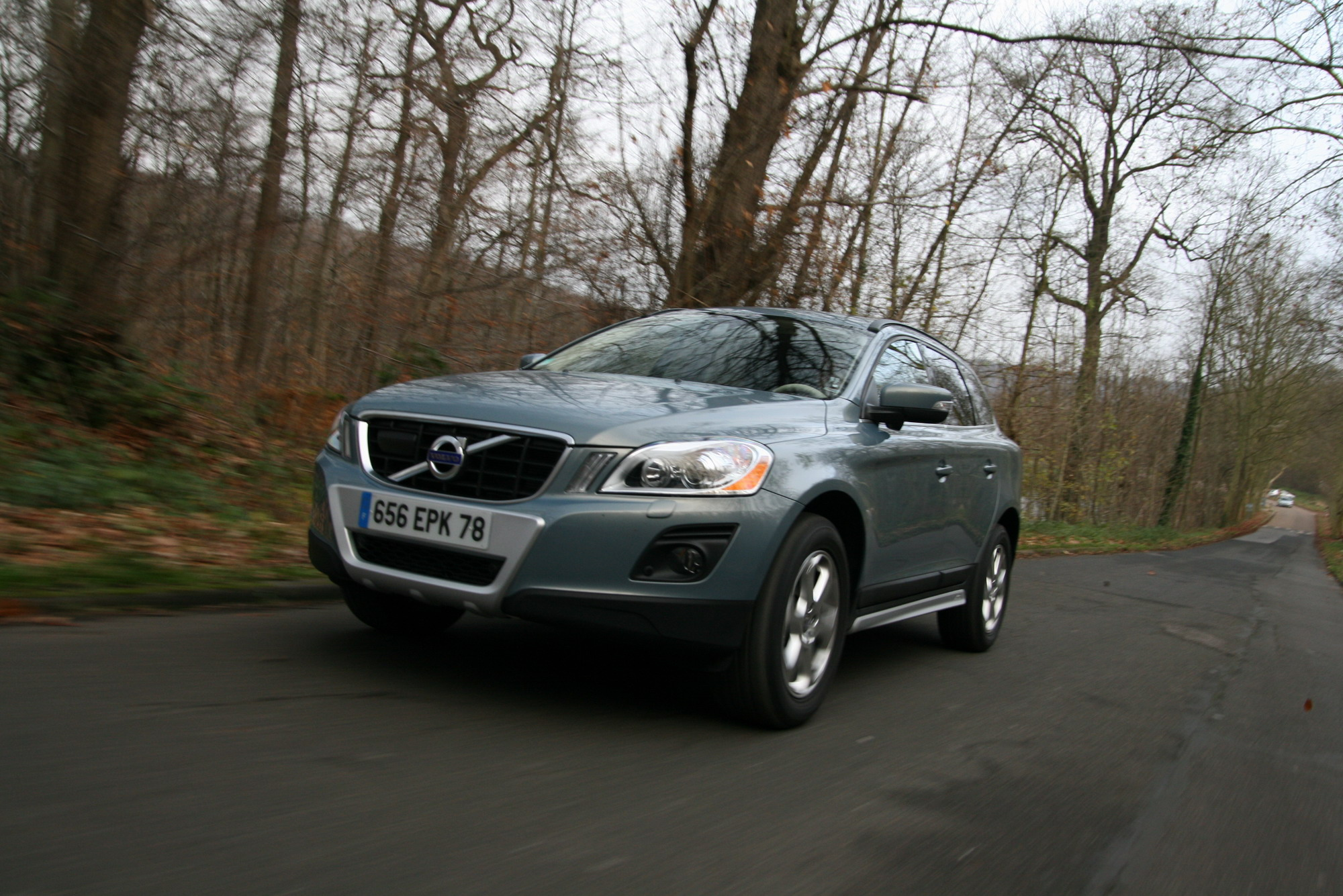 essai vid o volvo xc60 trop d assistance tue le plaisir. Black Bedroom Furniture Sets. Home Design Ideas