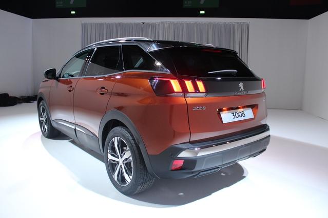 Vidéo - Découvrez tous les details du nouveau Peugeot 3008 : le futur meilleur SUV compact ?