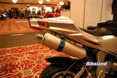 Photo du jour : Salon de la moto de Paris 2007,  ou l'arrivée des sportives chinoises ?