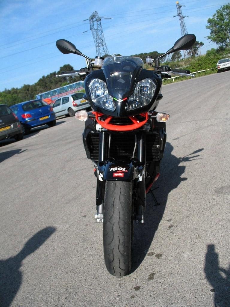 Essai Aprilia Tuono 1000R 2k7 Akra : la Superbike dénudée