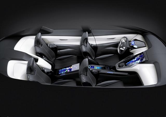 En matière de connectivité, les voitures en offrent bien plus que ce que leurs acheteurs semblent à même d'utiliser réellement. Or, les technologies et possibilités offertes vont évoluer encore très vite dans les années à venir. Trop vite?