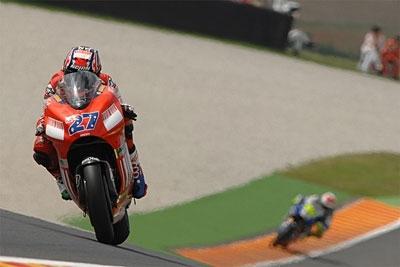 Moto GP: Catalogne D.2: La nuit a porté conseil à Bridgestone. De Puniet, second.