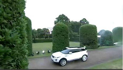 Range Rover Evoque : première image du LRX de série