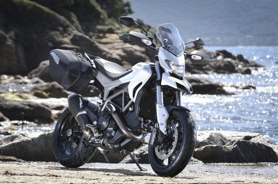 Essai Ducati 821 Hyperstrada : l'arme à tout faire ?