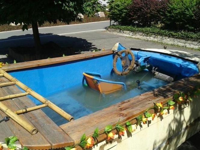 La police allemande intercepte une BMW avec option piscine intérieure