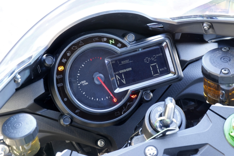 Essai Kawasaki Ninja H2 2016 : vitrine technologique